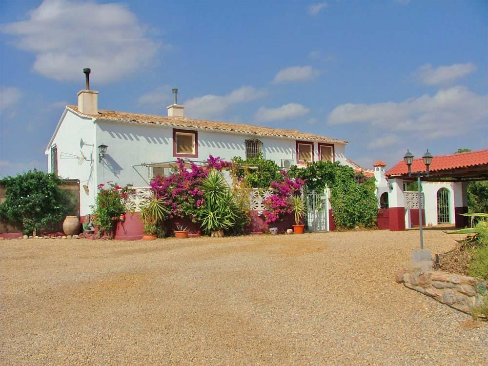 Villa Mit Pferdestall finca mit pool und pferdestall zu verkaufen in albox, almeria